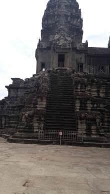タイ古式マッサージサロン 『Chai(チャイ)』 スタッフ日記-今はこの裏にちゃんとした階段があります